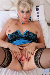 ... cougar pussy | Free Classy Mature Women Pictures From ' Anilos MILFs