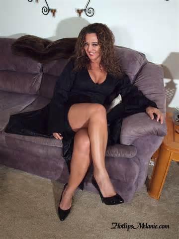 Short Skirt Sexy Legs High Heeled Hotlips Melanie