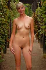 free gallery mature milf porn nude free media original mother outdoors ...