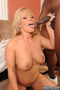 Blonde milf banging big black cock - Pichunter