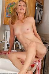 Home » Mature » Mariah (Small Tits MILF)