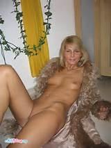 brazilian-amateur-wife-homemade-photos-9