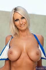 tumblr meiozeUtBy1rhenwho1 500 hot blonde milf