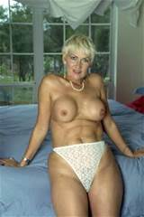 SEXY OLD MILF Free Milf Gallery
