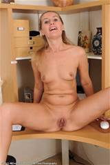 Skinny MILF Sara relaxes her pussy after work from All Over 30