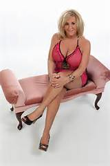 Mature Busty Cougars/4 Experienced Hands o♥o $220 Special! - chicago ...