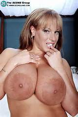 Big Tits Women - Sexy mature milf with huge boobs #hugetits