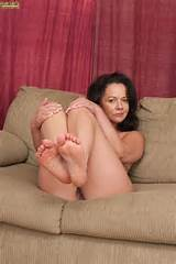 Yes, I want to get more and more MILFs like Pepper!!