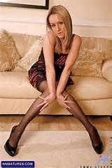 ... MILF Who Is Addicted To Masturbation » emma-starr-blonde-milf-posing