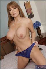 ... Hot Mom!   Back to