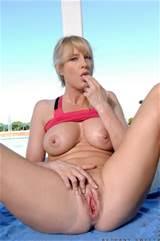 Milfs Nude Nude Galleries Milf Samples Sweet Bethany