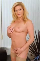Anilos ® Model: Samantha Stone
