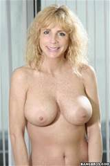 ... full gallery with Houston Uluvpunani's Milf jugs pics at MILF Lessons