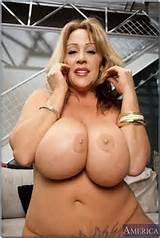 Kandi Cox - My Friend's Hot Mom 3894