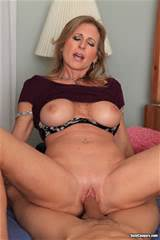 Horny Mature Milf Gets Fucked | Milf Porn Pics